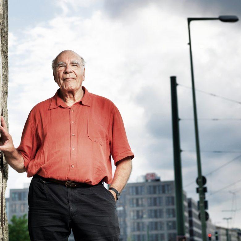 """""""Im Zeichen der Humanität müsste man großzügiger sein""""  – Interview mit Burkhart Veigel, Fluchthelfer"""