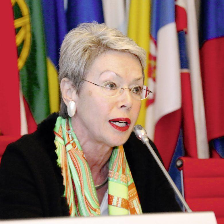 """""""Ich habe den Friedensprozess quasi als Lokomotive gezogen""""  Interview mit der ehemaligen OSZE-Sondergesandten Heidi Tagliavini"""