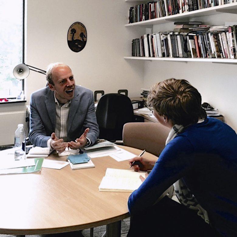 """""""Die gestiegenen Flüchtlingszahlen sind der neue Normalzustand"""" Interview mit dem Fluchtexperten Prof. Alexander Betts, University of Oxford"""