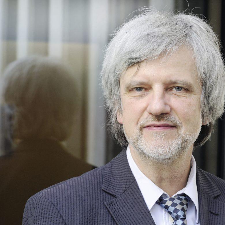 """Der Weg zur post- karbonen Gesellschaft? – """"Nur mit überzeugender Zukunftsvision"""" Interview mit Risikoforscher Prof. Dr. Dr. h. c. Ortwin Renn"""